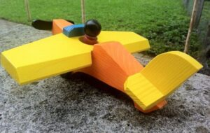 flugzeug-orange-gelb